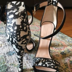 Club Monaco Stiletto sandals Snake 🐍 print